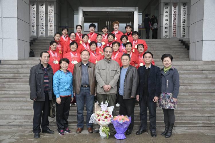 校领导方祥华(左四),张少林(右二),许桂萍(右一),区文体局喻建设书记图片